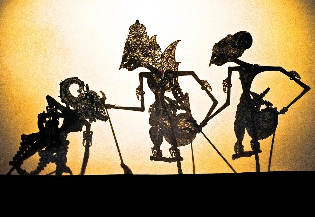 wayang kulit shadow puppetry